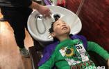 57秒|二月二龙抬头 孩子们扎堆理发讨彩头