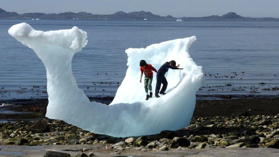 买格陵兰岛计划被拒 特朗普:买下整个国家都没问题