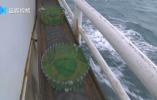 渔船出海捕鱼 茫茫大海遇到矛盾怎么办?打?吵?撞?不……