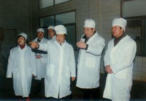 1998年1月18日,时任福建省委副书记的习近平同志第一次到圣农调研。