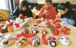 学习泥塑彩绘京剧脸谱技艺 全省60名中小学教师在浙江纺院