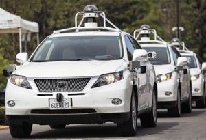 2015年9月,美国加州山景城,谷歌发布最新无人驾驶汽车。