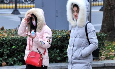 Low temperature associated with increased death risk
