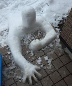 日本奇葩雪人秀