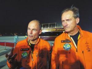 阳光动力2号的两位驾驶员:贝特朗·皮卡尔和安德烈·博尔施博格
