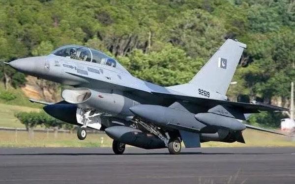 美国同时为印巴提供战机升级 葫芦里卖的什么药?