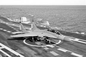"""印海军舰载机再出事故 米格-29K表现离""""靠谱""""还很远"""